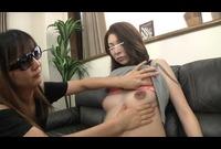 FJF-2117 女に妊婦のへそと乳首を舐めさせる